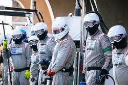 Porsche Team mechanics at work
