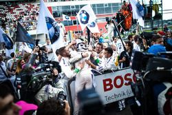 Race winner Marco Wittmann, BMW Team RMG, BMW M4 DTM celebrate with the team