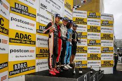 Podio: ganador de la carrera Sacha Fenestraz, Tech 1 Racing, segundo lugar Lando Norris, Josef Kaufm