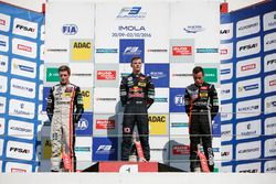 Rookie Podium: Winner Niko Kari, Motopark Dallara F312 – Volkswagen; second place Joel Eriksson, Mot