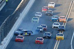 Ryan Ellis, BJ McLeod Motorsports, Densify Toyota Camry and Kyle Larson, Chip Ganassi Racing, DC Solar Chevrolet Camaro crash