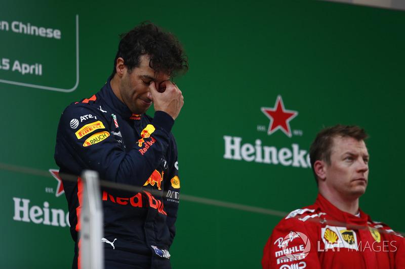 Podium: juara Daniel Ricciardo, Red Bull Racing, podium 3 Kimi Raikkonen, Ferrari