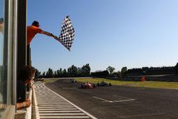 Enzo Fittipaldi, Prema Theodore Racing, prende la bandiera a scacchi