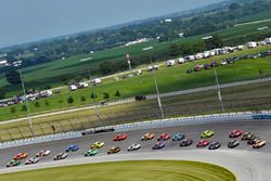 Kevin Harvick, Biagi-DenBeste Racing, Ford Mustang Hunt Brothers Pizza and Kyle Larson, Chip Ganassi Racing, Chevrolet Camaro ENEOS