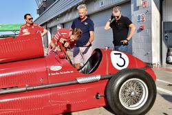 Sebastian Vettel, Ferrari looks at vintage Ferrari