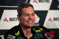 Craig Lowndes, Triple Eight Race Engineering Holden announces retirement