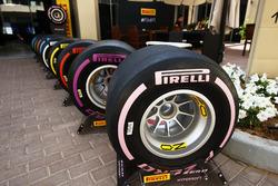 La gamme de pneus 2018 de Pirelli, avec l'Hypersoft rose devant