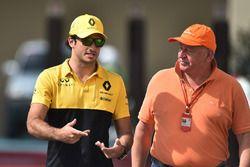 Carlos Sainz Jr., Renault Sport F1 Team en Dieter Rencken, Journalist