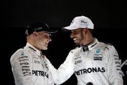 Победитель Валттери Боттас, второе место – Льюис Хэмилтон, Mercedes AMG F1