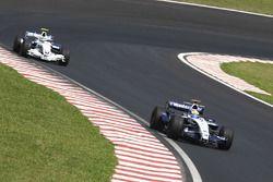 Nico Rosberg, Williams FW29 devant Robert Kubica, BMW Sauber F1.07