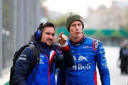 Brendon Hartley, Toro Rosso, op de startopstelling met een teamgenoot