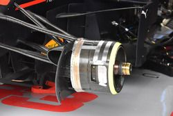 Red Bull Racing RB14, dettaglio del freno anteriore
