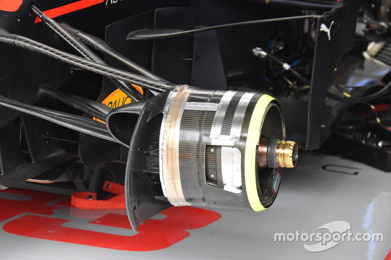 Red Bull Racing RB14 detalle del freno delantero