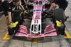 Force India VJM11 Mercedes, dettaglio dell'ala anteriore