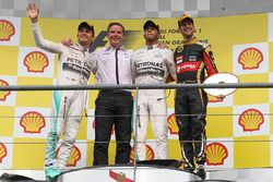Podium: race winner Lewis Hamilton, Mercedes AMG F1, second place Nico Rosberg, Mercedes AMG F1, Michael Harre, Mercedes AMG, third place Romain Grosjean, Lotus F1