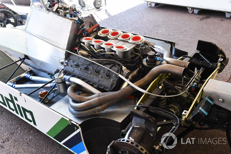 Williams FW08 et moteur Cosworth DFY