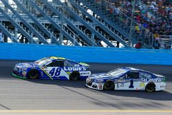 Jimmie Johnson, Hendrick Motorsports Chevrolet and Jamie McMurray, Chip Ganassi Racing Chevrolet