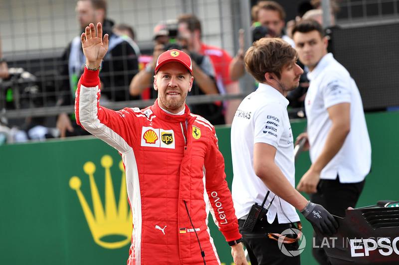 Ganador de la pole Sebastian Vettel, Ferrari celebra