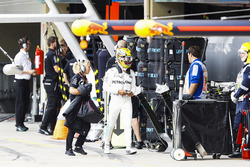 Lewis Hamilton, Mercedes AMG F1, walks back into the pits after crashing