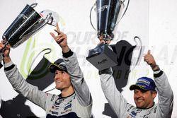 Podium GTE Pro: winnaars Andy Priaulx, Harry Tincknell, Ford Chip Ganassi Racing