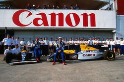 Foto di gruppo del team Williams, Damon Hill, Alain Prost, Williams FW15C