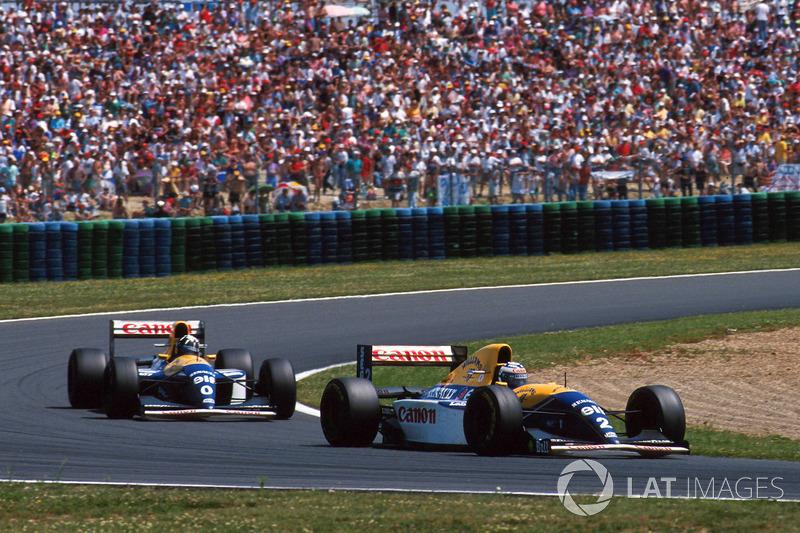 Alain Prost, Williams FW15C precede Damon Hill, Williams FW15C