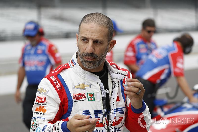 Гонщики IndyCar: Тони Канаан