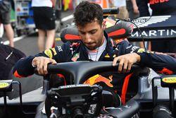 Daniel Ricciardo, Red Bull Racing RB14 en la parrilla