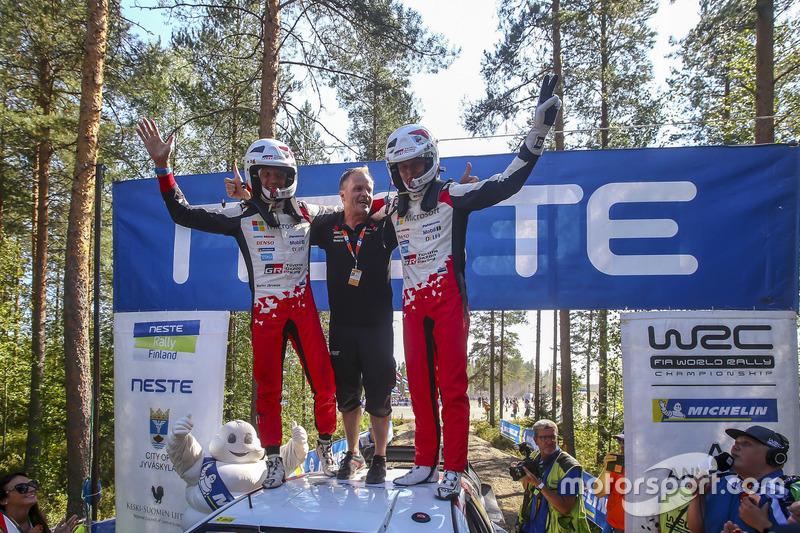 I vincitori Ott Tanak, Martin Järveoja, Toyota Yaris WRC, Toyota Gazoo Racing, Tommi Makinen