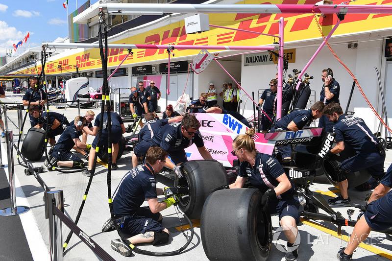 Essais d'arrêts au stand chez Force India F1