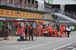 Kimi Raikkonen, Ferrari SF71H pitstop