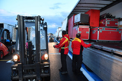 DHL load freight
