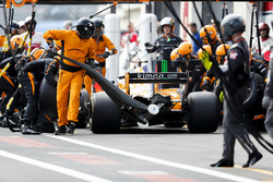 Fernando Alonso, McLaren MCL33, comes in for a stop