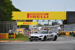 El Safety car lidera al resto de coches