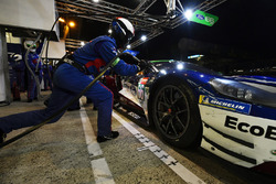 #66 Ford Chip Ganassi Racing Ford GT: Stefan Mücke, Olivier Pla, Billy Johnson, pit stop