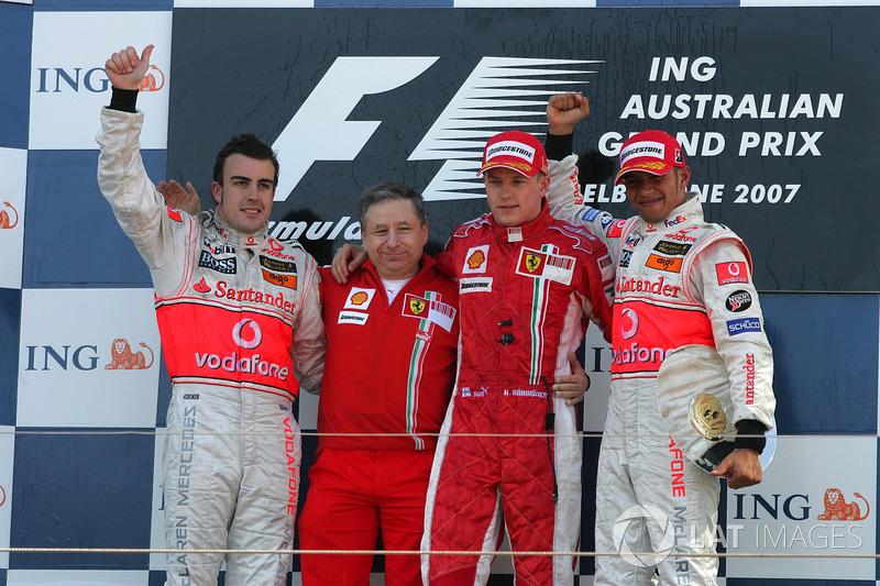 Podio: ganador de la carrera Kimi Raikkonen, Ferrari, segundo lugar Fernando Alonso, McLaren, tercer