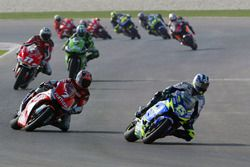 Sete Gibernau, Honda; Carlos Checa, Yamaha