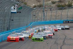 Justin Allgaier, JR Motorsports, Chevrolet Camaro BRANDT Professional Agriculture y Brad Keselowski,