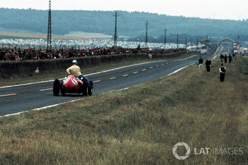 Reims 1960 : Willy Mairesse (Ferrari) carica Tony Brooks (Vanwall)