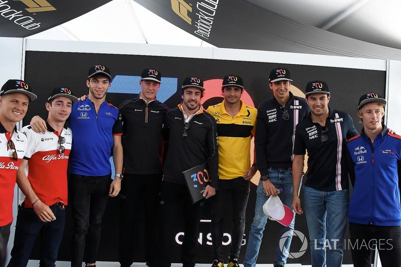 Fernando Alonso, McLaren, Fernando Alonso, McLaren, celebra su gran premio 300 con Ericsson, Leclerc, Gasly, Vandoorne, Sainz, Ocon, Pérez y Hartley