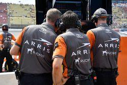 Daniel Suarez, Joe Gibbs Racing, Toyota Camry ARRIS crew