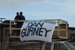 Dan Gurney fans