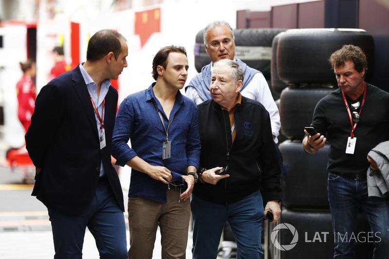 Felipe Massa, Williams Martini Racing, e Jean Todt, Presidente, FIA, visitano il paddock