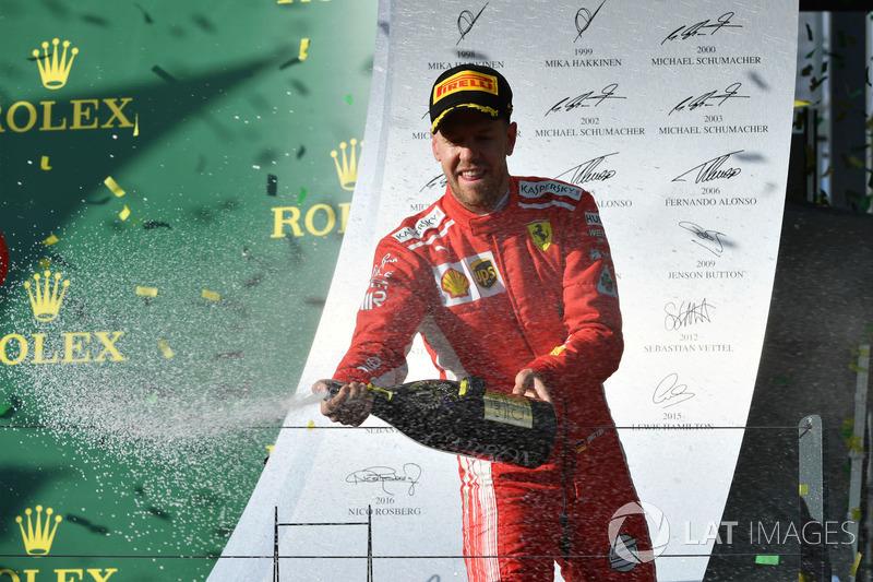 """Winnaar Sebastian Vettel: """"Lewis was snel, maar niet snel genoeg"""""""