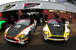 #61 Academy Motorsport Aston Martin V8 Vantage GT4: Tom Wood, Jan Jonck, #62 Academy Motorsport Aston Martin V8 Vantage GT4: Will Moore, Matt Nicoll-Jones