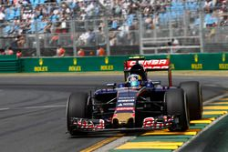 Carlos Sainz Jr., Toro Rosso STR10
