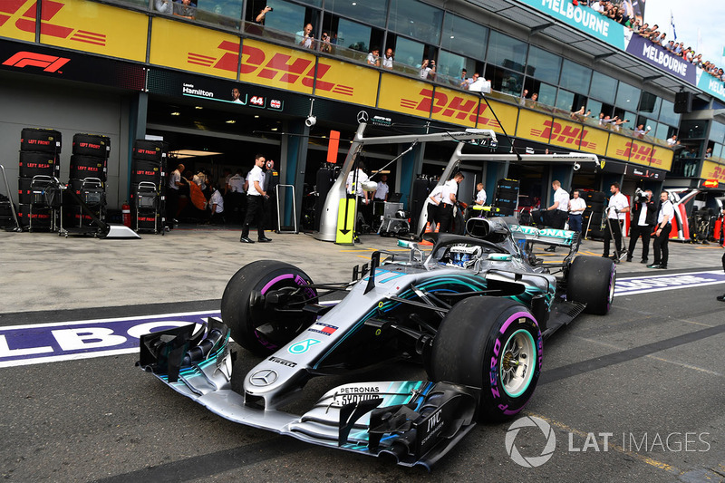 15: Valtteri Bottas, Mercedes-AMG F1 W09, no time (inc 5-place grid penalty)