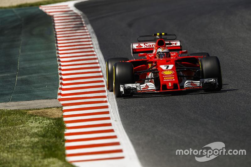 Kimi Raikkonen fecha a segunda linha, na quarta posição.