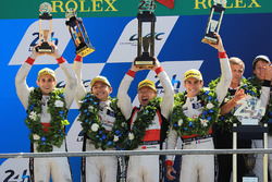 Podium: 1. Timo Bernhard, Earl Bamber, Brendon Hartley, Porsche Team, 2. place Ho-Pin Tung, Oliver J