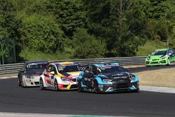 Стефано Комини, Comtoyou Racing, Audi RS3 LMS, и Грегуар Демустье, DG Sport Compétition, Opel Astra